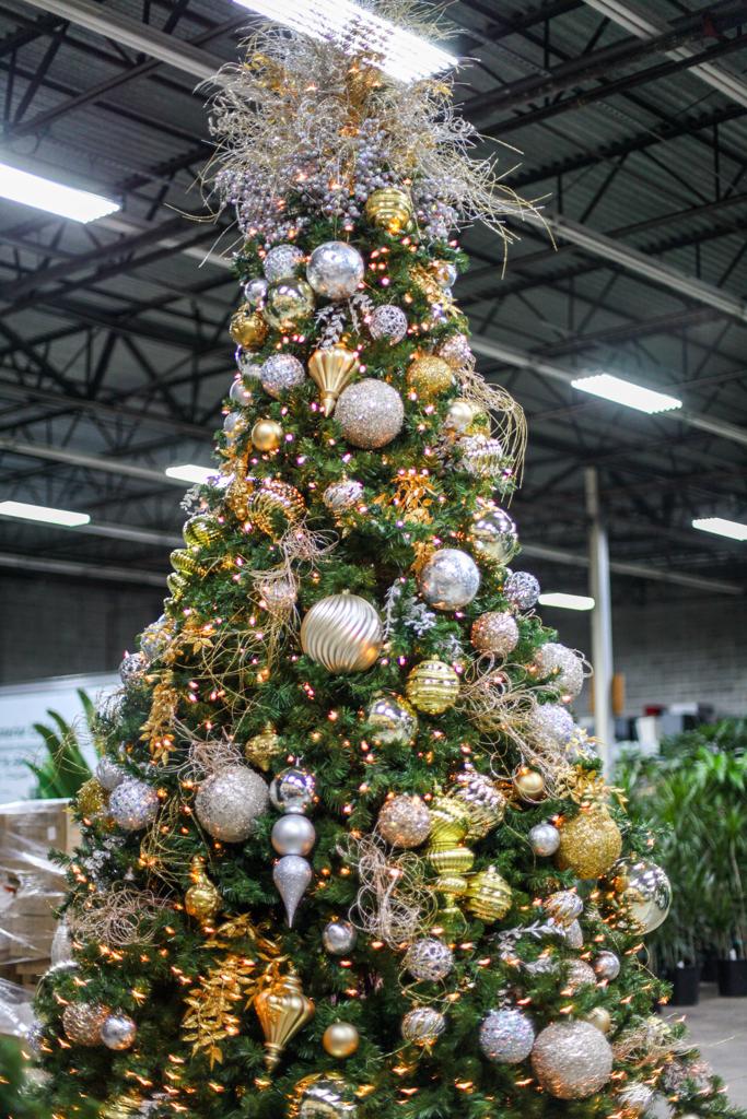 Sedgefield Interior Landscapes_Holiday Decor-10