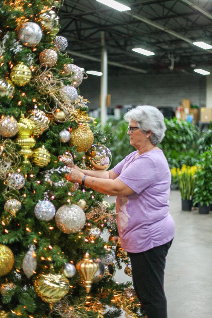 Sedgefield Interior Landscapes_Holiday Decor-18