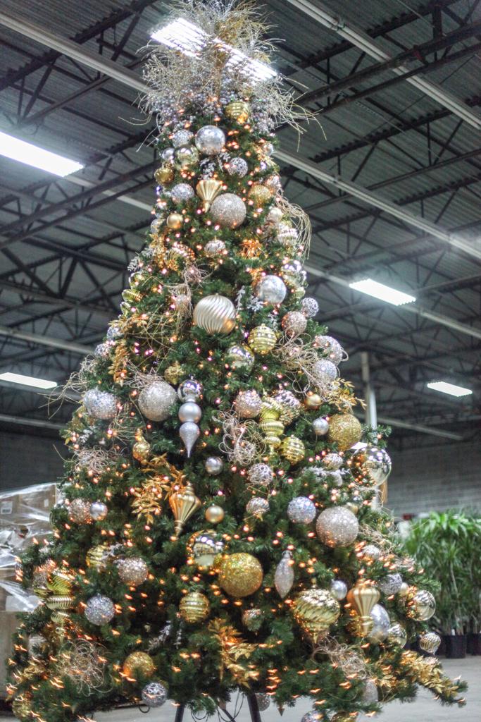 Sedgefield Interior Landscapes_Holiday Decor-21
