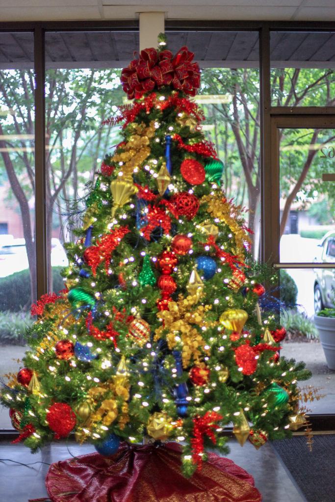 Sedgefield Interior Landscapes_Holiday Decor-22